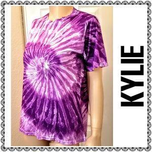 {KYLIE) purple tie-dye crewneck tshirt, sz L